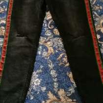 Джеггинсы и джинсы с лампасами новые, в Москве