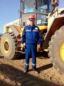 Водитель фронтального погрузчика, в Владивостоке