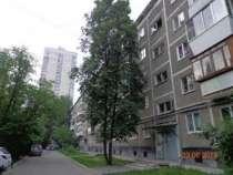 Продам 2-комнатную квартиру на Зенитчиков 14, в Екатеринбурге
