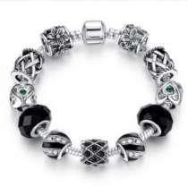 Собранный браслет с шармами в стиле, в Курске