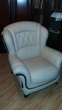Продаётся кресло кожаное, в Санкт-Петербурге