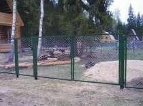 Ворота с сеткой или прутьями, в Кировске