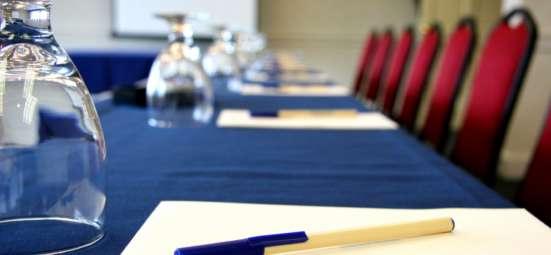 Услуги по организации конференций, тренингов и т. д