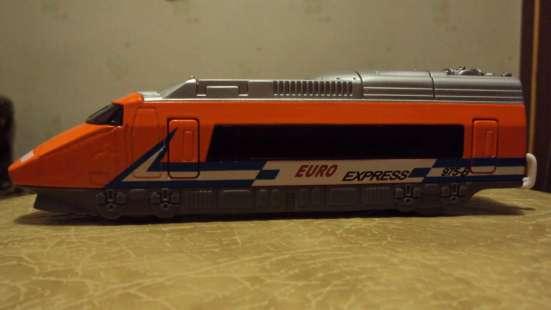 модель экспресс-локомотив