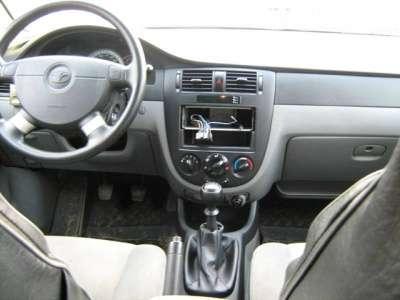 автомобиль Daewoo Gentra
