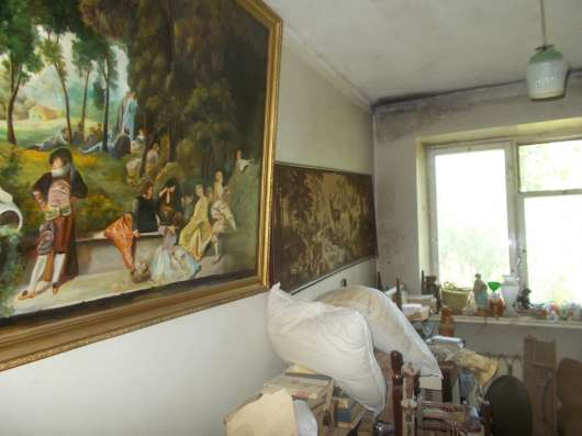 Продам 4-х комнатную квартиру на ул. Варненская/ сш№100