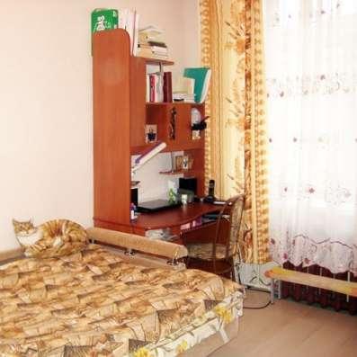 Комната 18 кв. м в трехкомнатной квартире