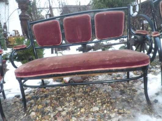 Старинный диван и два кресла в Москве Фото 2