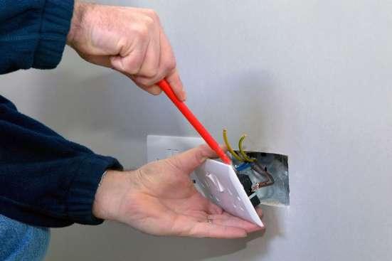 Электрик, услуги электрика:-все виды работ