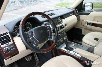 внедорожник Land Rover Range Rover