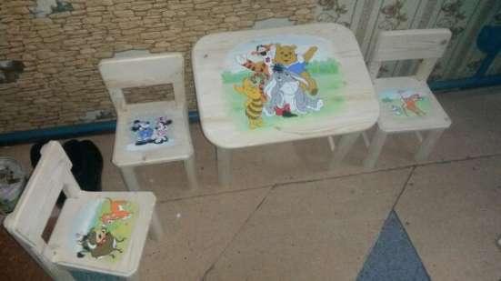 Детский стол со стульчиками
