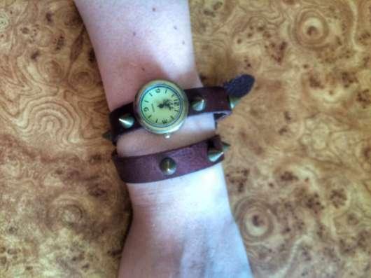 Часы на длинном ремешке в Новосибирске Фото 1