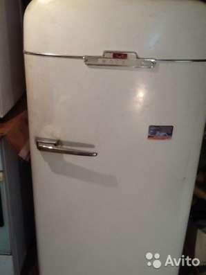 Холодильник ЗИЛ МОСКВА с ключами