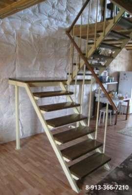 Металлическая интерьерная лестница