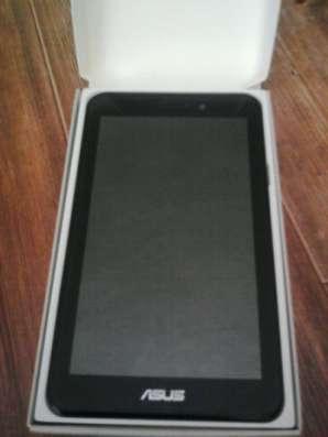 планшет Asus в отличном состоянии