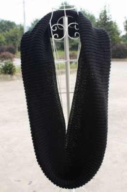 шарф-хомут черного цвета