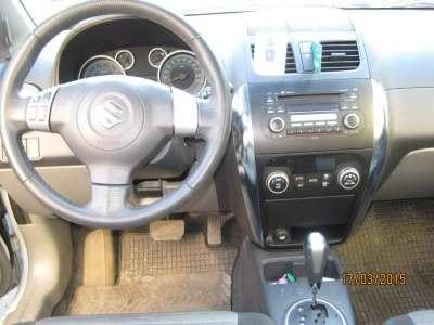 автомобиль Suzuki SX4