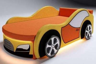 Диван-кровать в виде машины желтая