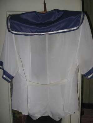 Блузка белая с синим воротником 50 размер