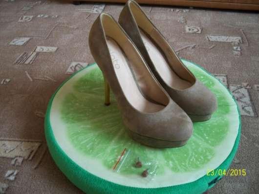 Бежевые туфельки от Plato