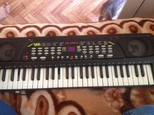 Отдам синтезатор!!!! ТОРГ УМЕСТЕН!!!