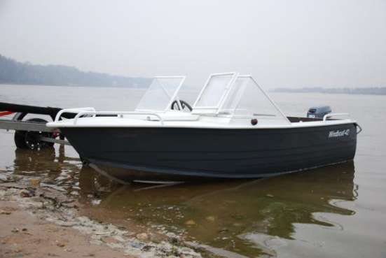 Моторная лодка Windboat-42M Pro