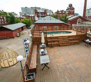 Банкетно-презентационный зал с бассейном на крыше
