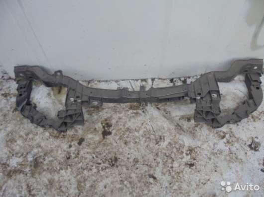 Рамка радиаторов для Форд Фокус 3