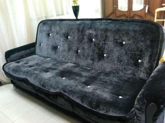 Продается новая стенка и диван