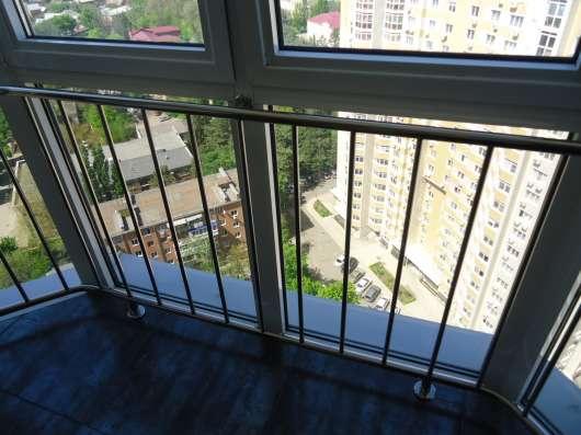 Ограждения для окон из полированной нержавеющей стали в Краснодаре Фото 1
