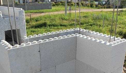 Несъёмная опалубка для возведения стен здания