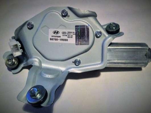 Мотор стеклоочистителя 98700-1R000 hyundai accent