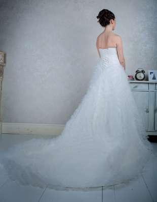 Свадебное платье со шлейфом в Москве Фото 1