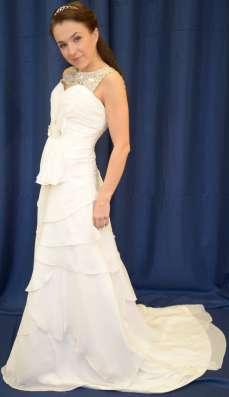 Шифоновое свадебное платье в стиле ампир