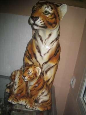 Фарфоровую статуэтку-Тигрица с тигрятами-,Каподемонте,Н-60см в Москве Фото 3