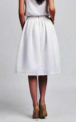 Новая пышная юбка миди белого цвета Love Republic