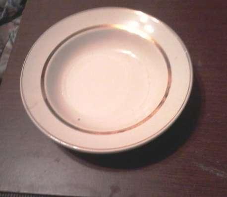 Продам глубокую тарелку