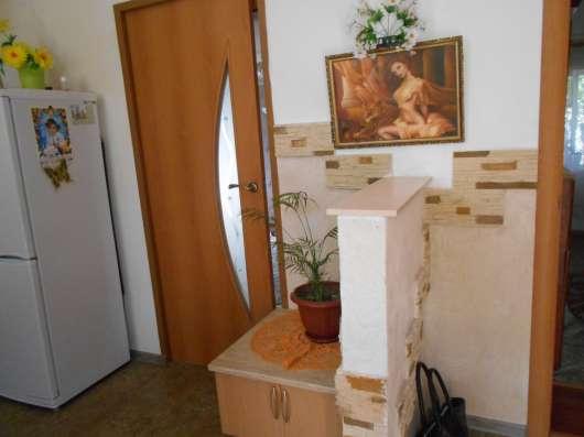 Продается дом с удобствами и ремонтом в центре ст. Холмской
