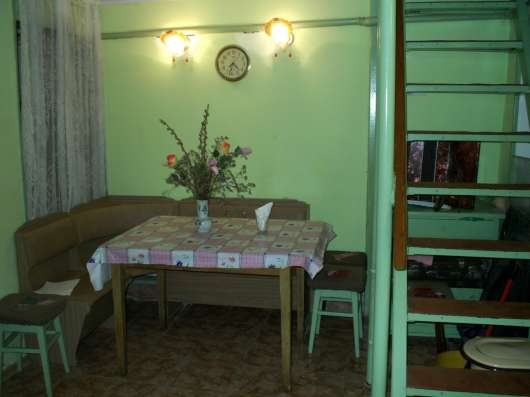Продам 2-х ком. кв. в тихом центре Феодосии Крым