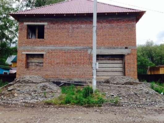 Недостроенный дом в Горно-Алтайске Фото 2