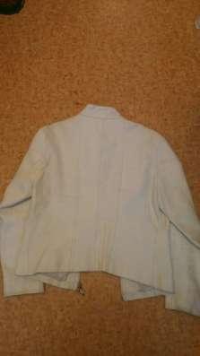 Куртка кожаная белая