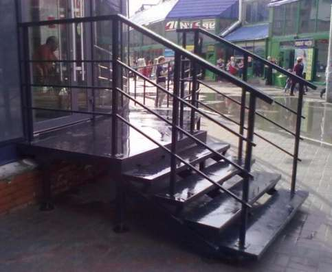 Лестницы металлические, площадки, ограждения, навесы, заборы, ворота