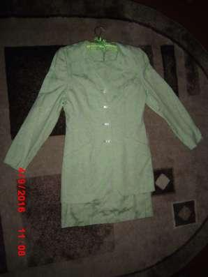 Продается жен. костюм пиджак+платье в г. Добрянка Фото 2